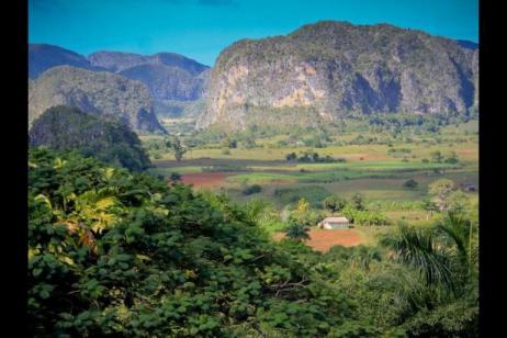 Cuba Highlights on Foot tour