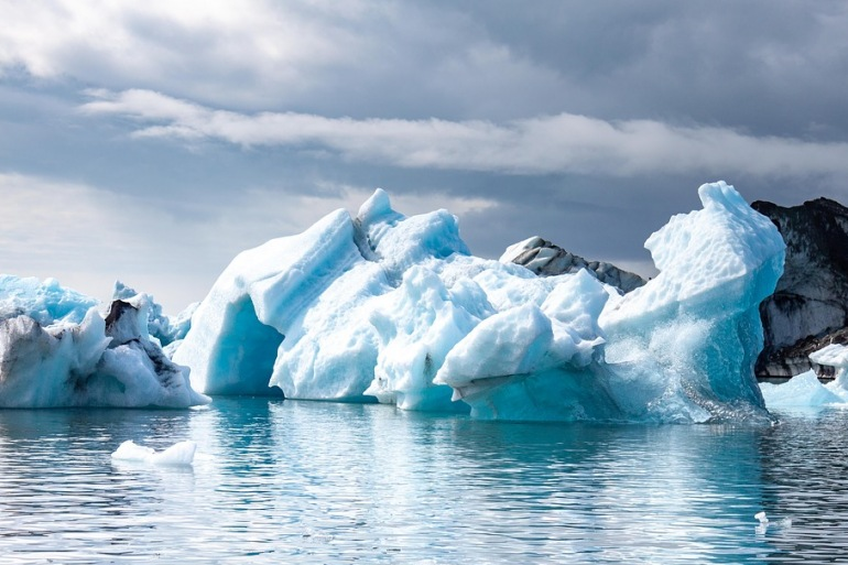Iceberg-Iceland_3599538_P