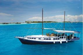 Maldives Dhoni Cruise tour