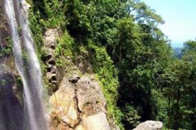 Jungle Hiking - El Bejuco Waterfall (3 days) tour