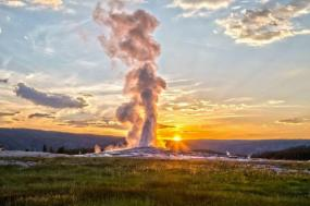 10-Day Canadian Rockies & Yellowstone Tour From Vancouver tour