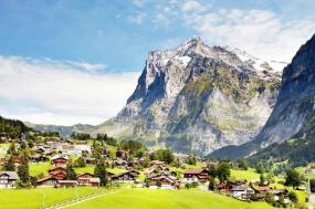 7-Day Europe Tour from London: Paris - Swiss Alps - Rhine Valley - Holland tour