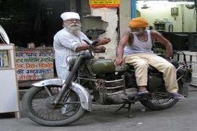 Icons of India: The Taj, Tigers & Beyond with Dubai, Southern India & Varanasi tour