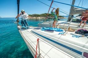 Yolo Yachting - Santorini to Mykonos tour