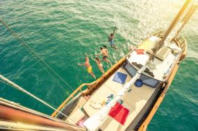 YOLO CRUISE - Mykonos to Santorini tour