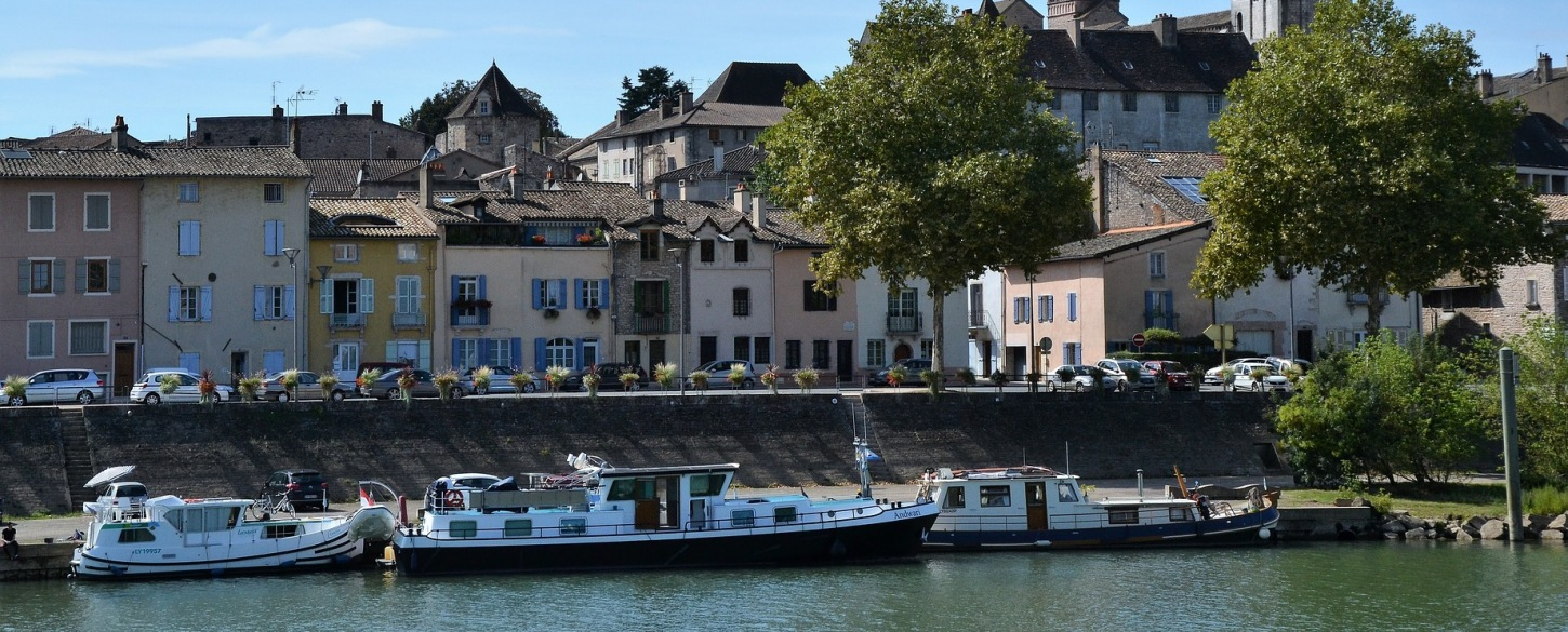 Tournus city saone_2853931_France_P