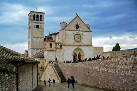 Walking in a surprising Umbria tour