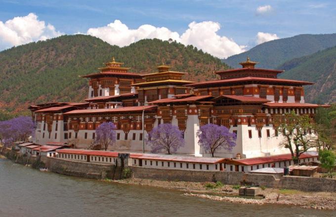 Bhutan Mountain Bike Trek  tour