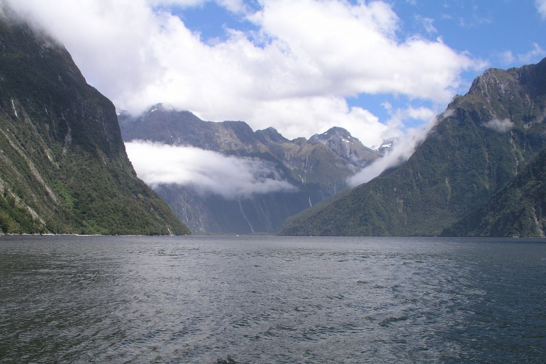 Milford Sound Fjord -New Zealand-2685635_1920_p