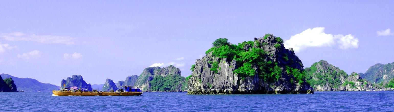 Touring islands around Vietnam