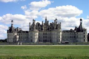 Jewels of the Loire- Cheverny to Chenonceau tour