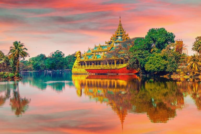 Fascinating temple of Yangon, Burma-P