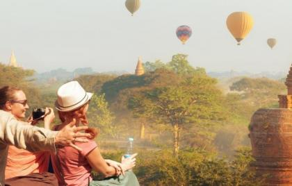 Happy World Tourism Day! It's Time to Replace the Phrase Don't be a tourist, be a traveler