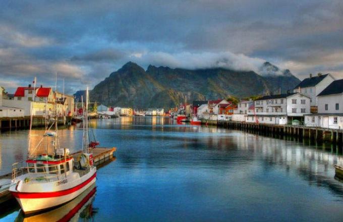 Grand Norwegian Coastal Voyage  tour