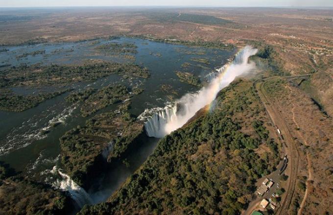 Zanzibar, Victoria Falls & Kruger tour