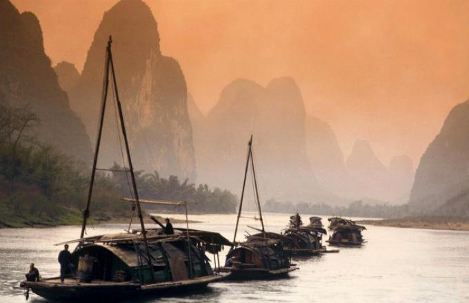 China & Yangtze River Cruise with Hong Kong tour