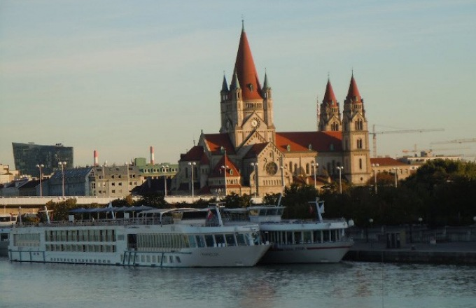 The Blue Danube Discovery tour