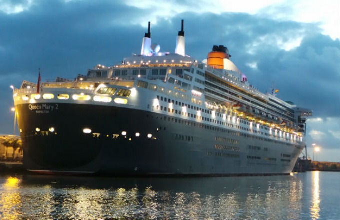 The Best of Britain: Celebrate Road Scholar's 40th Anniversary Aboard the QM2 tour