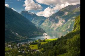 Cruise the Norwegian Fjords - In Depth - Expedition tour