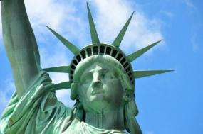 3-Day New York Sightseeing and Shopping Tour: Statue of Liberty, Times Square, Woodbury Common Premium Outlets & Montreal tour