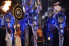 Colombo Caves & Kandy Festival - 8 days tour