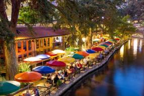 Spotlight on San Antonio Holiday