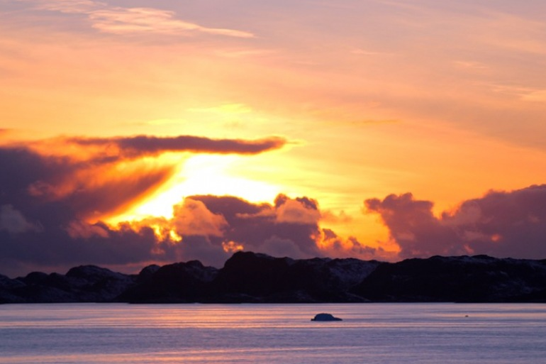 Sunset-Sea-Beauty-Greenland_189352_P