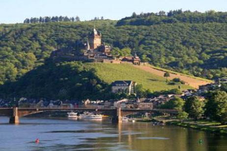 Canals, Vineyards & Castles (Southbound) tour