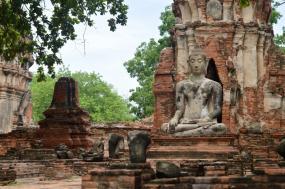 Thailand to Myanmar – Bangkok to Mae Sot to the Golden Rock tour