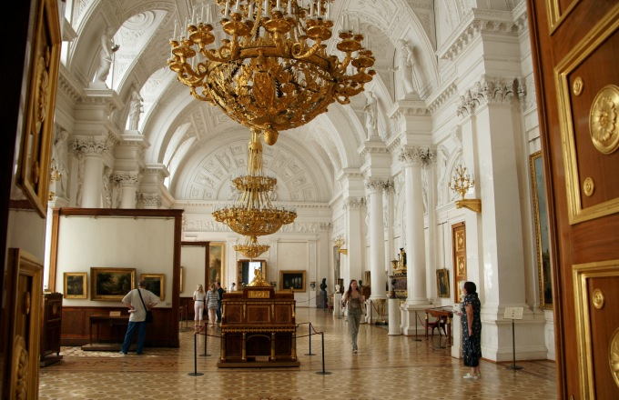 8 days: Moscow – St. Petersburg tour
