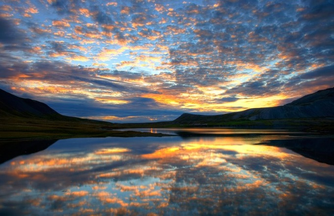 Dramatic Iceland by Foot and by Sea: A Circumnavigation tour