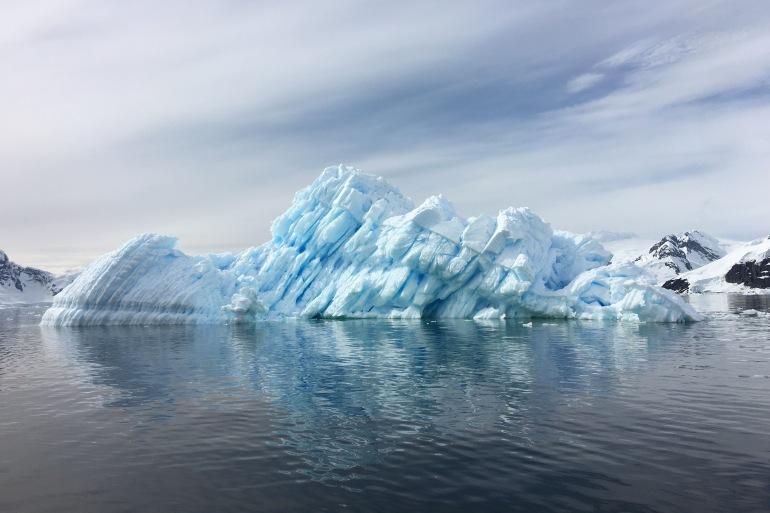 Massive Icebergs - Antartica-p