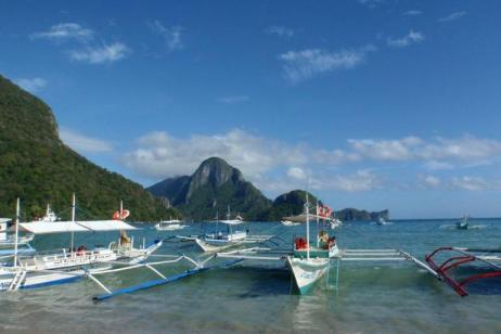 Island Hopping the Philippines tour