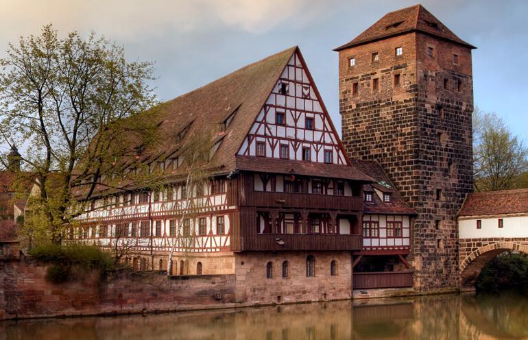 Authentic Danube & Prague tour