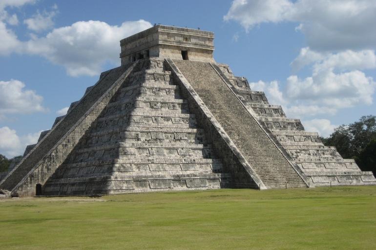 Beautiful mayan-Belize-1039512_P