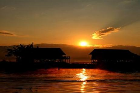 Golden Myanmar & the Alluring Irrawaddy with Bangkok & Inle Lake - Southbound tour