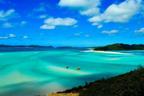 10-Day Australia Tour: Fraser Island, Noosa River, Rockhampton, Whitsunday Islands, & Airlie Beach**Brisbane to Cairns**** Yolo Style: 18-39 Only** tour