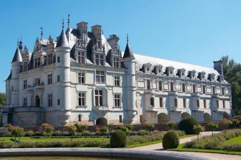 Cultural Volunteering & Community Service 2 Day Mont Saint Michel + Loire Valley Castles Trip package