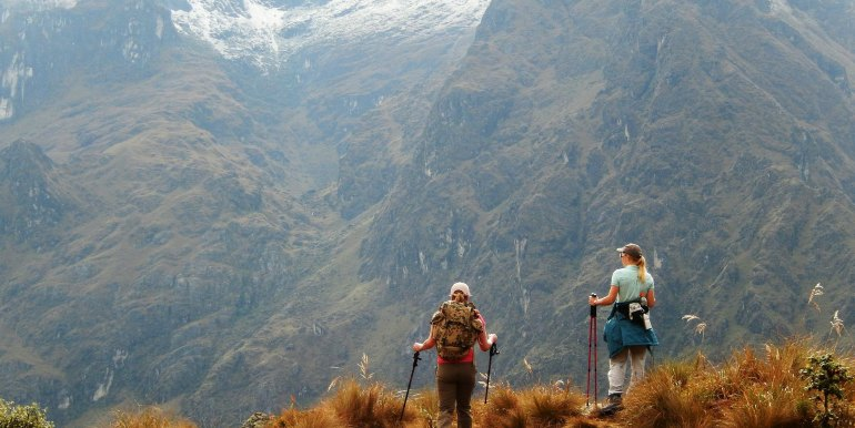 Two female hikers on the way to Machu Picchu