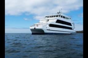 Galapagos Discovery - Queen of Galapagos  tour
