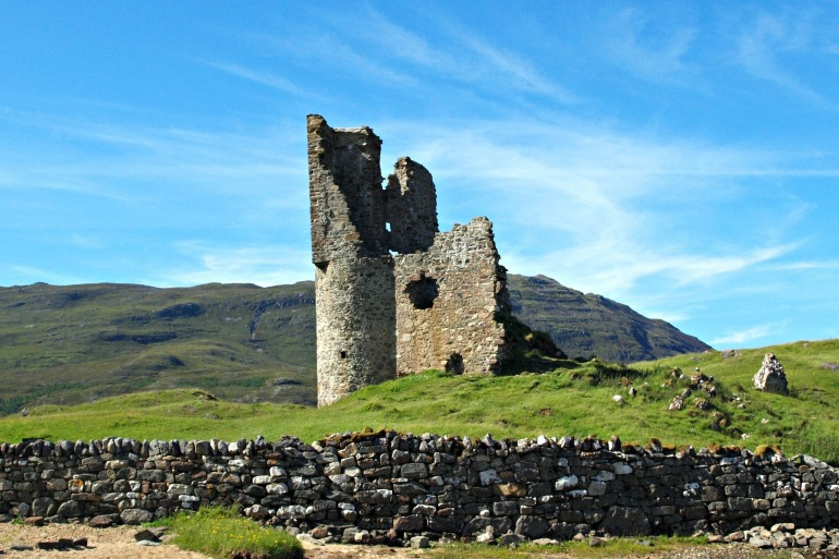 Beautiful castle-Scotland-1162483_P