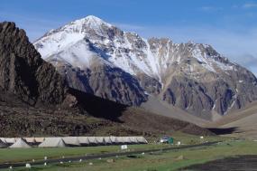 Tibetan Lands: Ladakh – Festivals, Monasteries and Waters tour