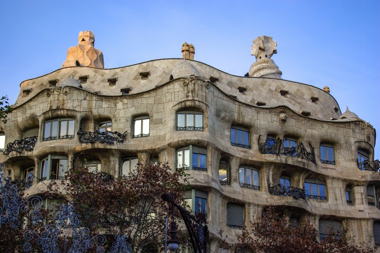 Building Architecture of Casa Mila_Spain_1907789_P.jpg