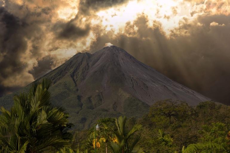 Arena Volcano View, Central America