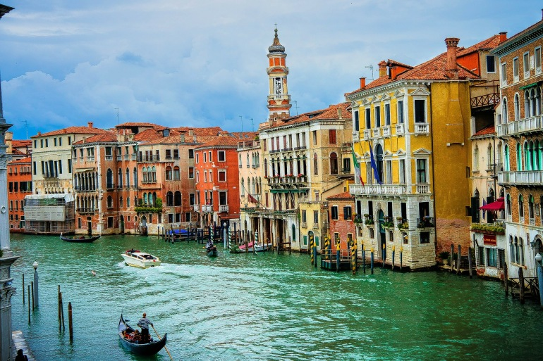 Gondola Buildings in Venice-Italy-341468_1920_P