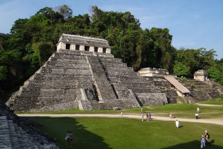 Stone Pyramid od Mayan-Belize-542089-P