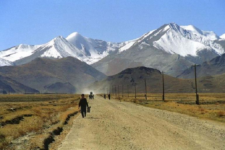 Lhasa Mt. Everest Kathmandu Overland Group Tour-2-p