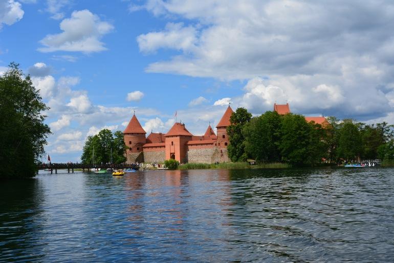 Trakai castle medieval-Lithuania-2401457_1920_p