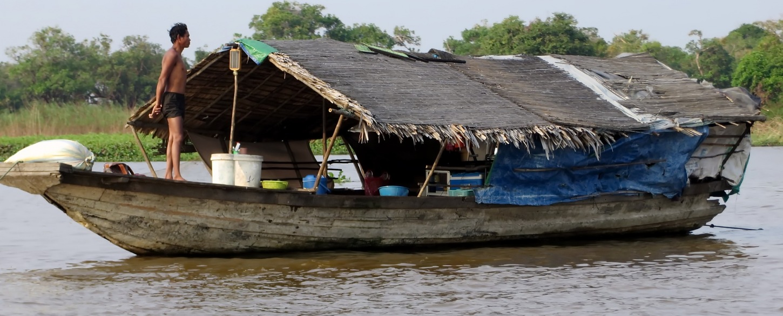 Tonle sap house floating_ Cambodia_1762936_P