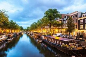 12-Day UK + Western Europe Tour: London - Edinburgh - Frankfurt - Amsterdam**Paris Departure**